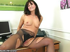 British, Mature, MILF, Pantyhose